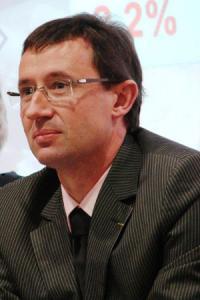 «Après sept ou huitannées de mutations difficiles, les vignerons n'ont pas de bas de laine pour surmonter des sinistres comme celui du négociant de Lézignan», déclare Jean-Marie Fabre, président de la Fédération des vignerons indépendants de l'Aude.