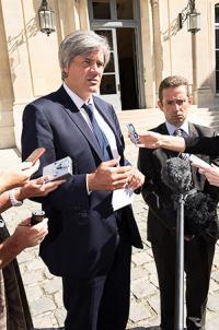 Stéphane Le Foll, ministre de l'Agriculture, avec Jérôme Despey, président du conseil spécialisé vin à FranceAgriMer. © Y. CAINJO/GFA