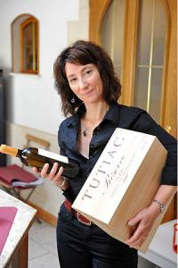 Lydia Héraud, chargée du marketing des Vignerons de Tutiac.