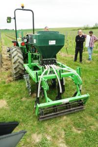 Des producteurs de l'AOPGaillac et de l'IGPTarn se lancent dans le couvert végétal en semis direct.