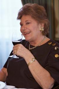 Philippine de Rothschild représentait souvent ses vins en personne à travers le monde. © PHOTONONSTOP