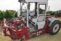 Le tracteur à trois roues hors du commun, mis au point par l'italien Loris Luisotto, est étudié pour évoluer dans les terrains à forte déclivité. ©M.CAILLON