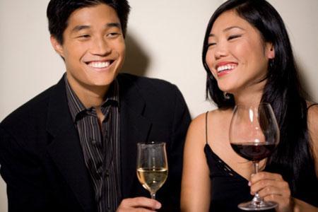 Au Japon, le vin ne représente aujourd'hui que 3 % des ventes de boissons alcoolisées mais les habitudes de consommation évoluent...