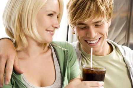 La génération des 18 – 30 ans est désarmée par la complexité de l'univers du vin et préfère des boissons plus simples à consommer.