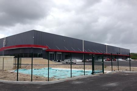 L'entrepôt de Bordeaux Wine Logistic, à Saint-Laurent-Médoc (Gironde), ouvrira à la fin de la semaine prochaine.
