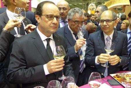 François Hollande sur le Pavillon des vins le 21 février 2015. ©B.COLLARD