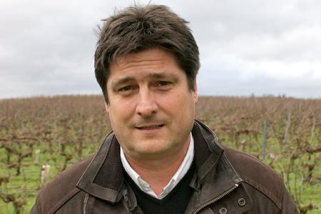 Marc Bonnin, viticulteur, président de la cave coop de Saumur, dans le Maine-et-Loire, et candidat à la maire de Montreuil-Bellay. © P. TOUCHAIS