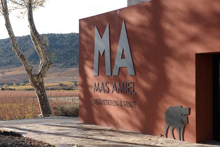 Privé d'internet suite à un vol de câble de téléphone, le mas Amiel évalue les pertes entre 10000 et 14000euros par jour. © C. GOUSSARD