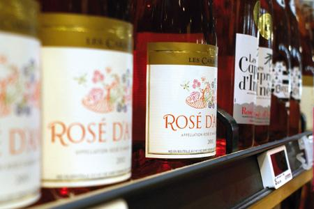 Bel été en grande distribution pour les rosés d'appellation du Val de Loire. © P. TOUCHAIS