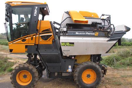La machine àvendanger Optimum750 de Pellenc. ©M.CAILLON
