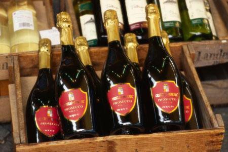 Le prosecco détrône le champagne au Royaume-Uni. ©Mauritius/Photononstop