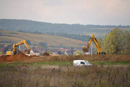 Le terrassement de la ZAC du Pré Fleury, entre Chassagne-Montrachet et Chagny, est en cours. ©C.MICHELIN