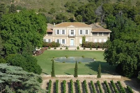 Plus sûr que la Bourse, l'investissement dans une belle propriété viticole est un placement qui a la cote selon Vinea transaction. © VINEA TRANSACTION