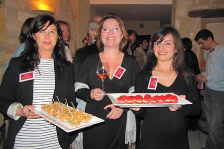 Les blogueuses Nathalie Ruffat-Westling pour lescuisinesdegarance.com, Louise Massaux pour quillesdefilles.com et Amélie Riberolle de ameliecocotte.blogspot.fr. © C. SARRAZIN