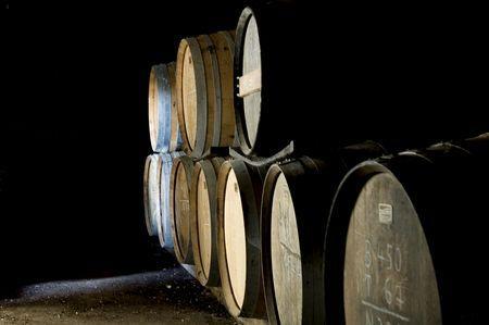 Pour le fisc, les chais de vieillissement des négociants de Cognac sont désormais des outils industriels. © J. M. NOSSANT