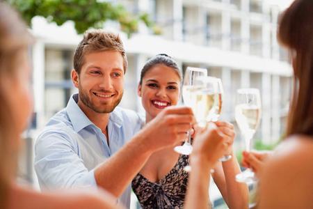 Bientôt une fête du champagne à l'image de «Bordeaux fête le vin». Elle aurait pour nom «la Champagne fête le champagne». © PHOTONONSTOP