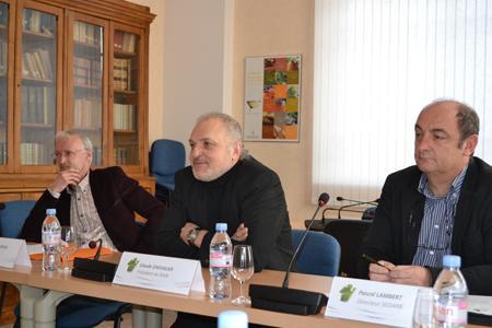 Jean-Michel Aubinel, président de la CAVB, Claude Chevalier, président du BIVB et Pascal Lambert, directeur du Sedarb. ©C.MICHELIN