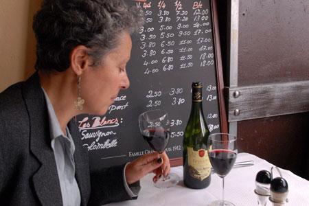 Santé : boire du vin à la cinquantaine pour bien vieillir. © J.-C. GRELIER