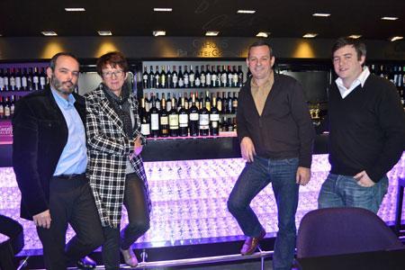 Jérémy Arnaud, de l'UIVC, Martine Costes, Didier Pevillain, tous deux vignerons, et Armand de Gérard, de l'UIVC également. © F. JACQUEMOUD