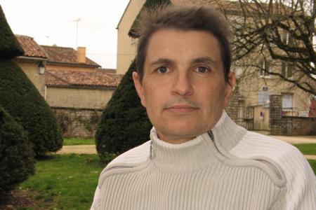 Viticulteur à Gondeville, près de Cognac, Frédéric Ferrand compte parmi les premiers membres de Phyto victimes. Il souffre d'un cancer de la vessie et de la prostate. © PHYTO VICTIMES