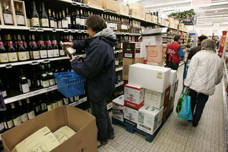 Les ventes de vins tranquilles en grande distribution atteignent 9,7millions d'hectolitres. © J.-C. GUTNER
