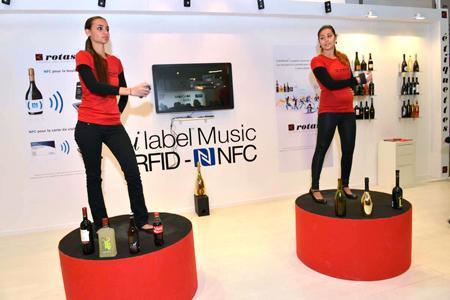 Rotas présentait une étiquette intégrant la technologie NFC, reconnaissable par la plupart des smartphones.  © C. Faimali