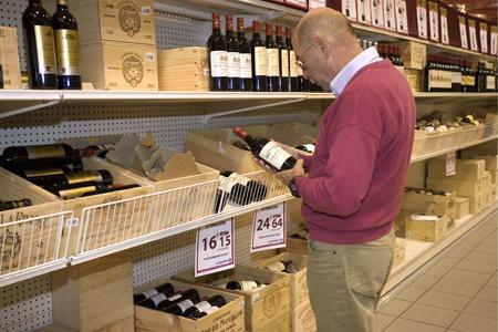 Un collectif d'associations de lutte contre l'alcoolisme souhaite qu'une nouvelle mention apparaisse sur les étiquettes. © C. WATIER
