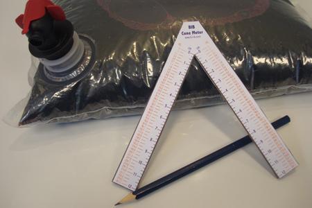 Conditionnement : Inter-Rhône diffuse un outil de mesure du volume d'air emprisonné dans la poche d'un bib © INTER-RHONE