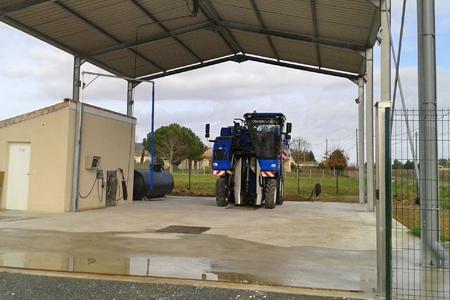 L'entreprise Decouzon a construit une nouvelle station de lavage des pulvés à Teuillac, en Gironde.