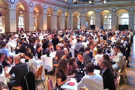 La première sélection « un vin presque parfait » s'est déroulée le 9 juin au Palais Brongniart, à Paris.