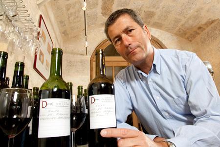Le courtier Éric Échaudemaison estime que le marché des vins de cépage sans IG s'installe en Gironde. © P. ROY