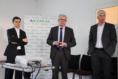 Paul-Yves L'Anthoën, DG d'Axéréal, Jean-François Loiseau, président d'Axéréal, et Yvan Schaepman, DG de Boortmalt. © R. FOURREAUX