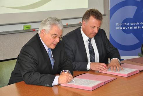 Olivier de Bohan (à droite), président de la Fondation Jacques de Bohan, et Jean-Paul Pageau, président de la CCI Reims-Epernay, ont signé une convention le 17avril dernier.