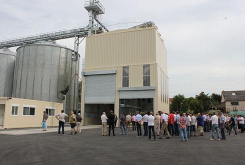Le silo d'Insming est le premier site du groupe à être capable de vider sa fosse de réception à une cadence de 250t/h.