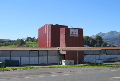 L'usine d'aliments d'Ispoure a bénéficié d'investissements pour optimiser son fonctionnement.