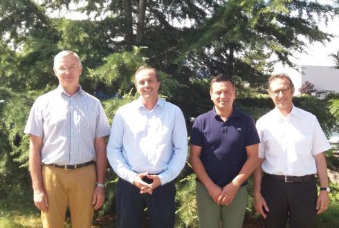 De gauche à droite : Thierry Josserand et Mathieu Staub, président et directeur général de Terre d'Alliances, aux côtés de Jean-Yves Colomb et Georges Boixo, président et directeur général du groupe Dauphinoise.