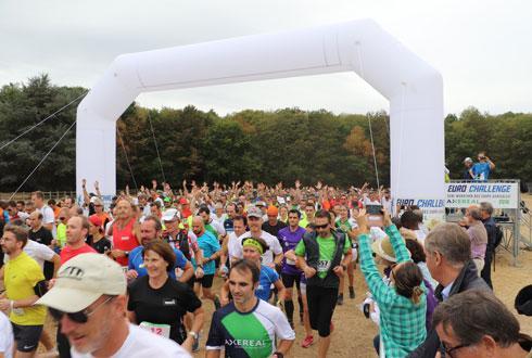 766coureurs se sont élancés à l'assaut du semi-marathon auxquels s'ajoutent les 685 du 10kilomètres et quelque 500marcheurs. ©C.QUEHEILLE