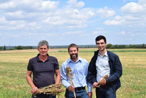 De gauche à droite: Christian Blet (vice-président de la CAPL), Jason Abbott (dirigeant d'Abbottagra) et Arthur Nicolas (responsable filières végétales à la CAPL). © A. MABIRE