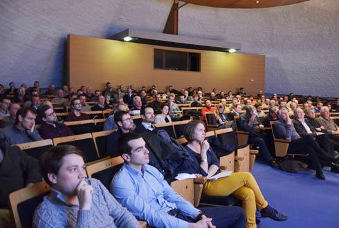 Le 1ermars, une centaine d'adhérents de la coopérative d'Eure-et-Loir est venue chercher des solutions pour le désherbage. © A.RICHARD