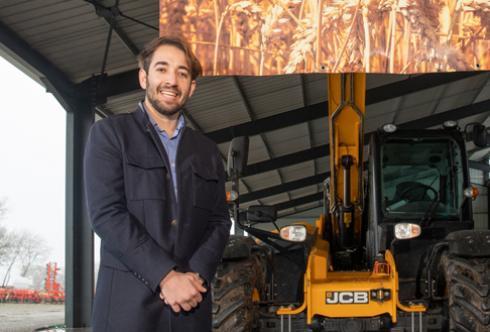 Il y a quatre ans, porté par un groupe de jeunes agriculteurs, Vincent Costanzo a créé les Silos de Goujon, à Auradé, sur le site de la ferme de sa famille. © I.SOURIMENT