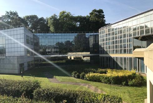 Un des bâtiments du site de la Française des Jeux à Moussy-le-Vieux, près de Roissy, que Tereos souhaite racheter.