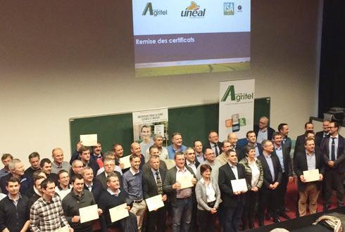 Les quarante-trois techniciens-conseil d'Unéal qui ont satisfait aux deux niveaux de la certification ont reçu leur diplôme. Une deuxième promotion va bientôt démarrer.