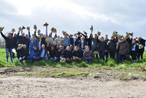 Une quarantaine d'éleveurs est venue découvrir Boviscope, le service de surveillance du troupeau d'Axéréal élevage, dans une exploitation de la Sarthe, le 13mars dernier. ©Axéréal élevage