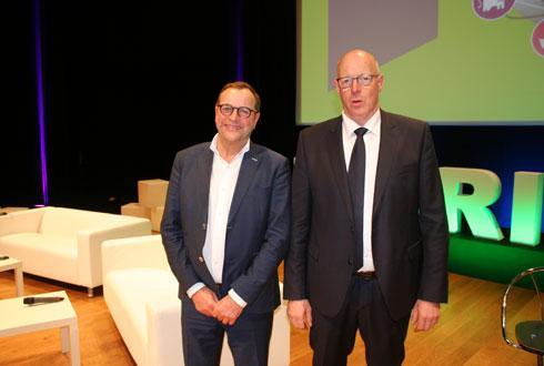 Jean-François Gaffet, président de Noriap, à droite, aux côtés de Francis Hennebert, président de la Flandre : «Nous mettons en commun le personnel des deux coopératives et l'ensemble de nos outils de production.» © B.CAILLEZ