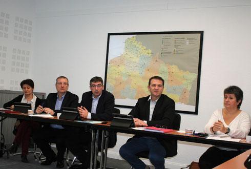De gauche à droite, Anne Vandenbossche, vice-présidente, Cédric Cogniez, DG, Bertrand Hernu, président, Laurent Bué, vice-président, et Françoise Boussinescq, directrice opérationnelle d'Unéal. © B.CAILLIEZ